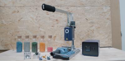 HoliPress : une presse à injection plastique manuelle pour créer des petites séries de pièces.